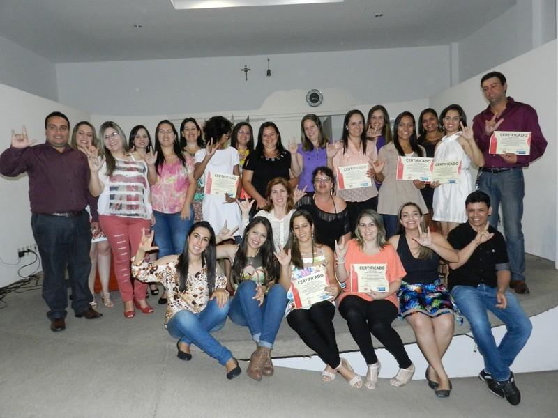 Câmara promove cerimônia de formatura da primeira turma do curso de Libras realizado em Paraguaçu